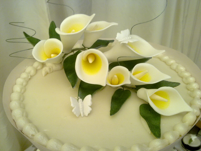 lily-cup-cake-wedding